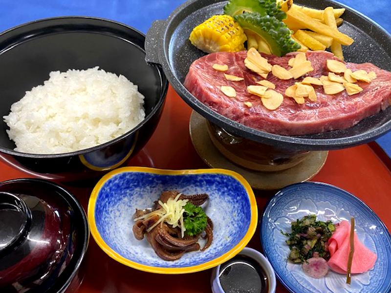 【ランチメニュー】ステーキ丼